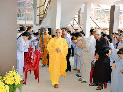 Khai Hội Hoa Nghiêm Ở Chùa Long Hương
